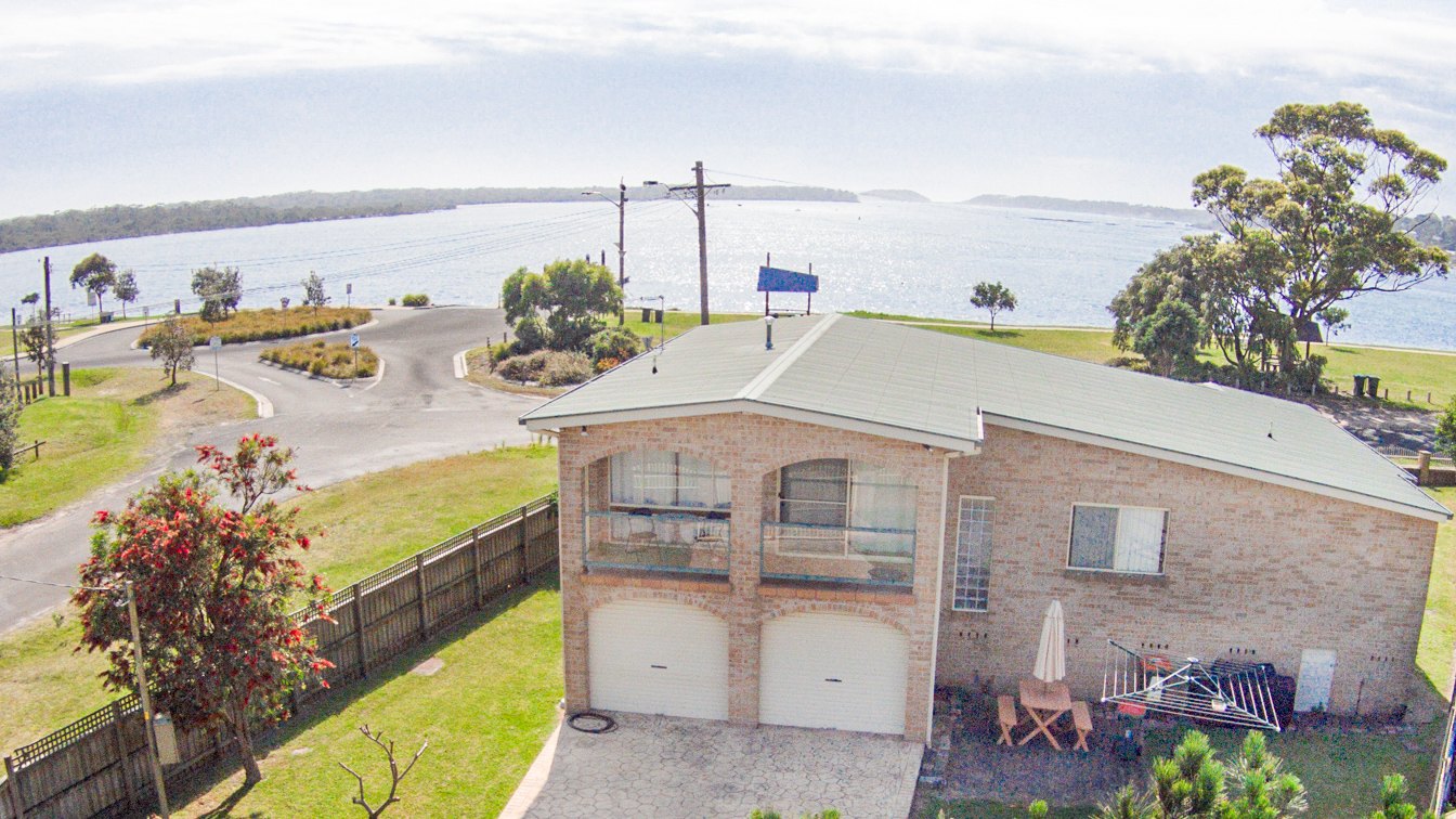 Clean, modern, spacious One Bedroom Waterfront Cabin with open plan kitchen and living