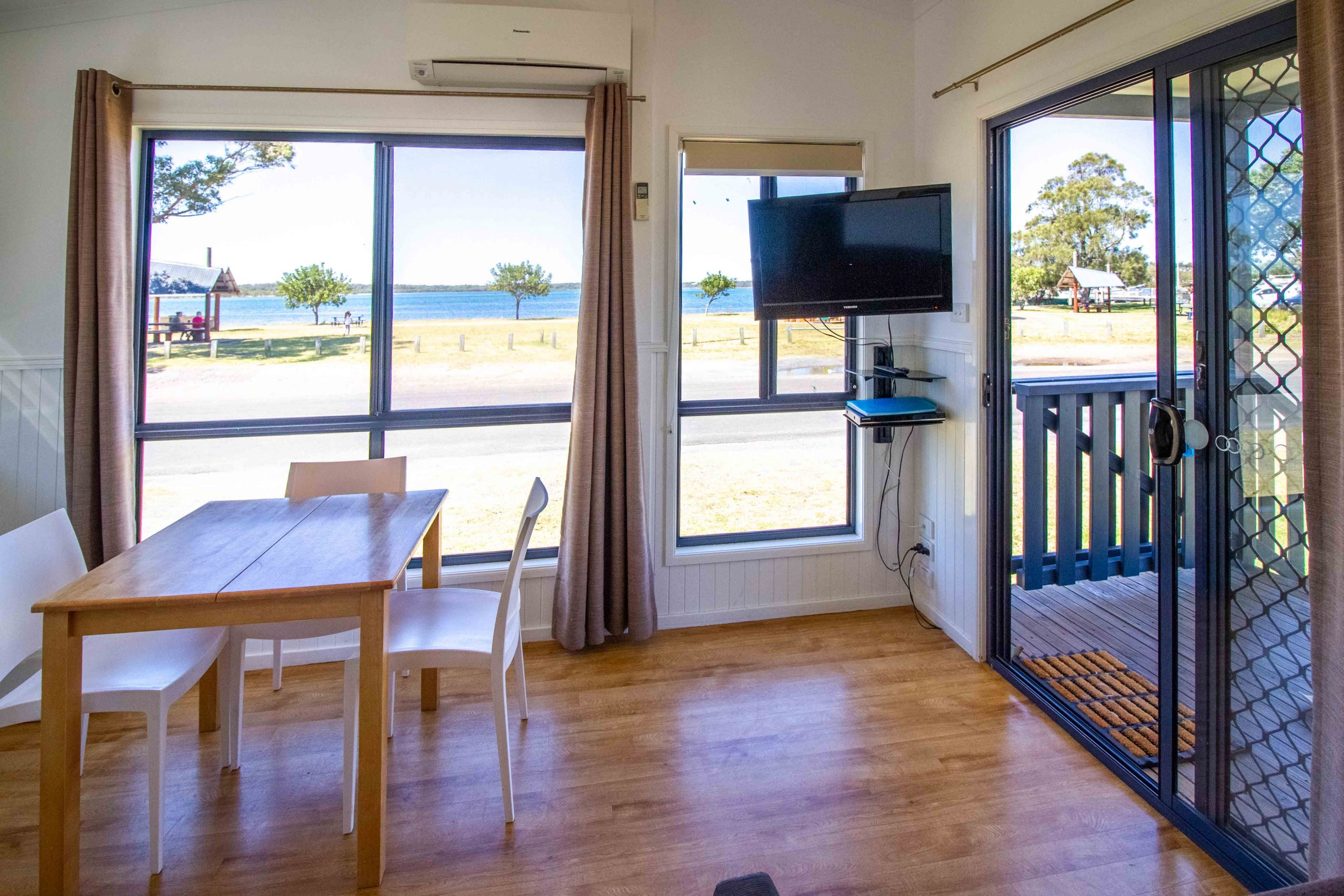 Two Bedroom Waterfront Cabins with fabulous waterfront aspect
